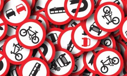 Reinigung von Straßennamensschildern und anderen Verkehrsschildern (Anfrage)